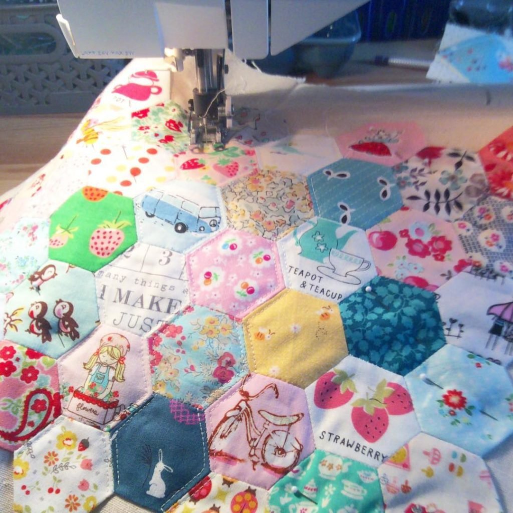 Finally finishing up my hexie mini quilt I was goinghellip