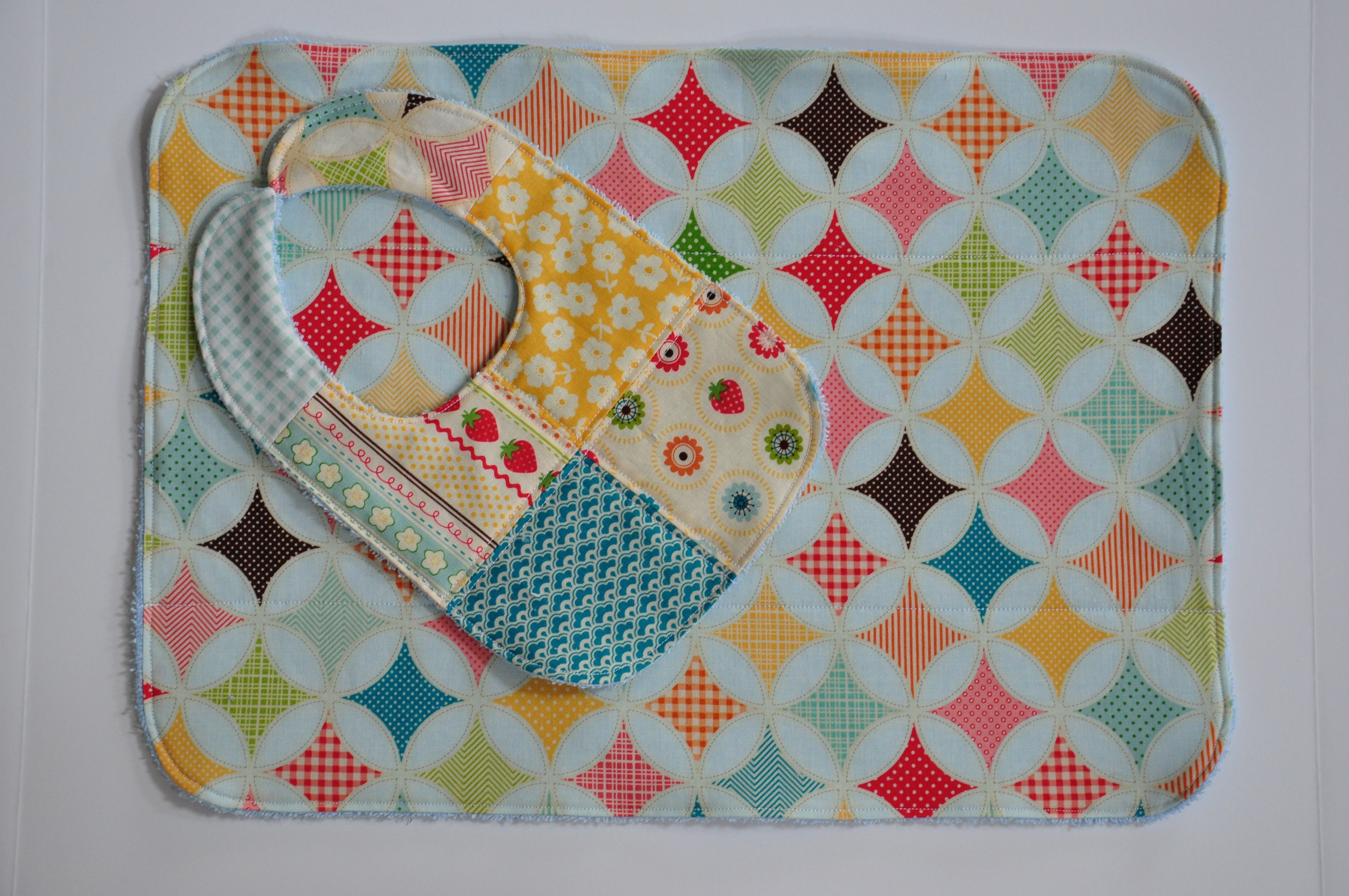 Clover & Violet — Patchwork Bibs and Burp Cloths with Terry Cuddle : quilted baby bibs - Adamdwight.com