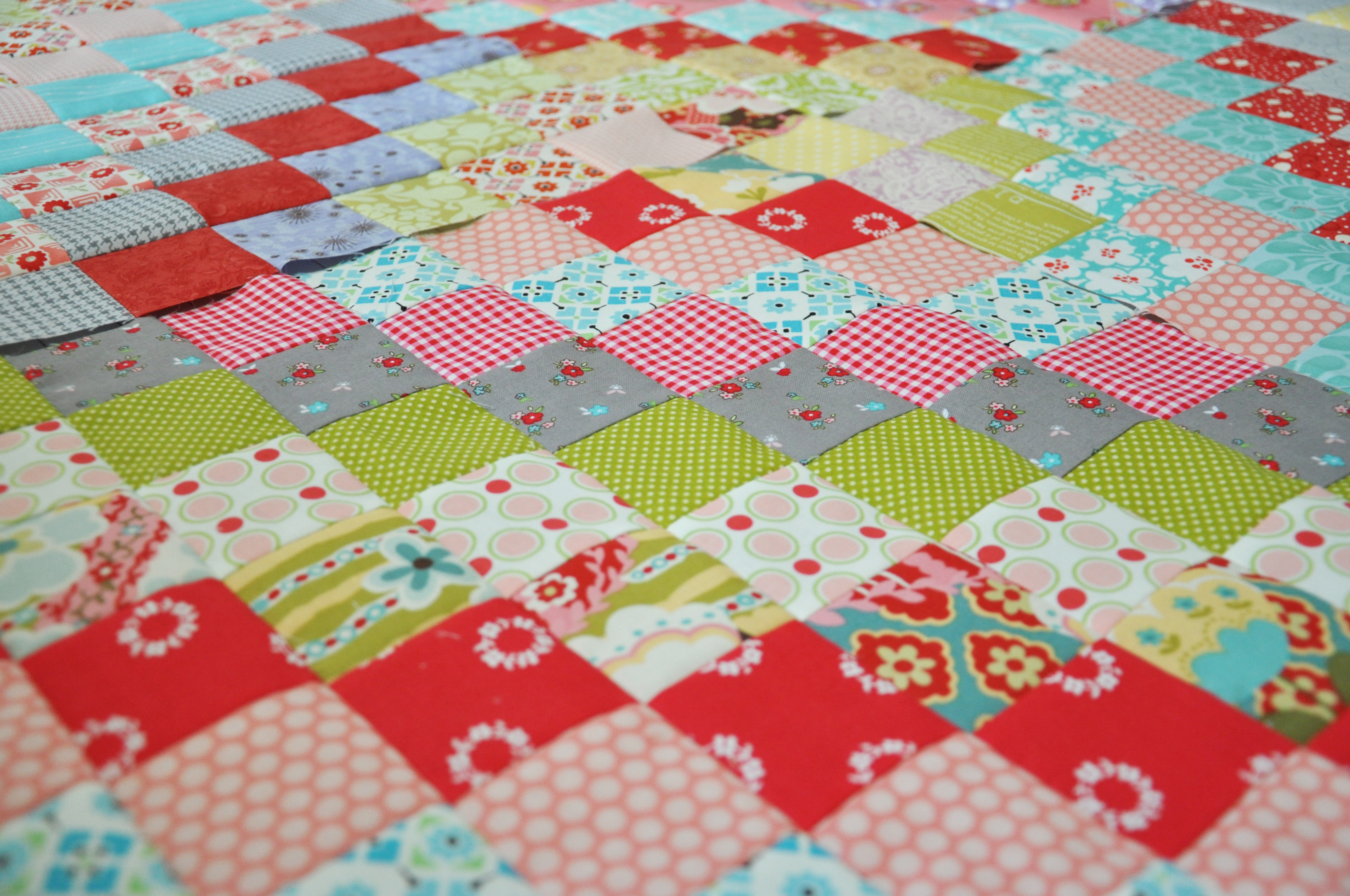 Free Quilting Pattern For Trip Around The World : Clover & Violet A New Scrappy Trip Around the World Quilt