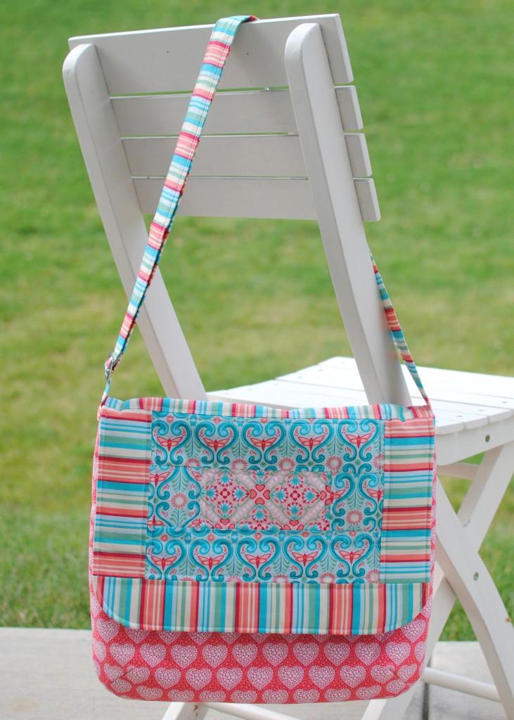 Mae messenger bag
