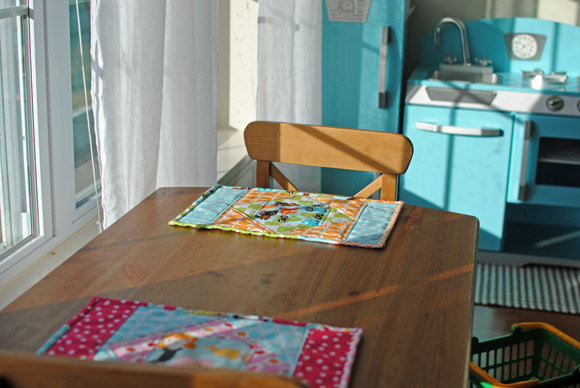 placemats-on-table
