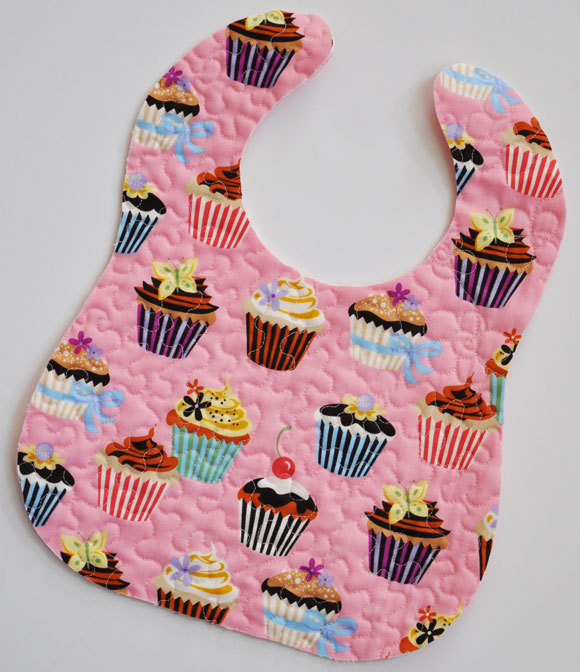 Free Patterns For Quilted Baby Bibs : Clover & Violet Quilted Homemades