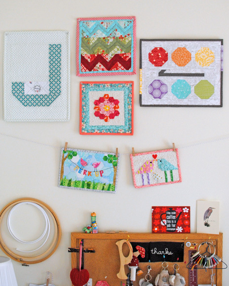 Make It a Mini {Quilt Hanging Tip}