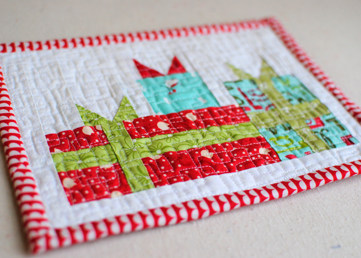 mini-merry-gift-boxes-with-mug-quilting