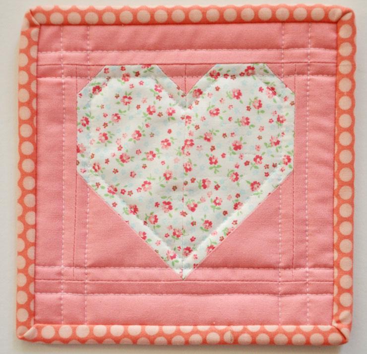 heart-mug-rug
