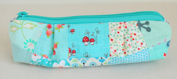 Curvy-Top-Pencil-Pouch-2