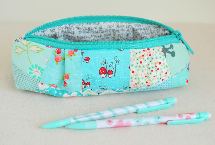 The Curvy Top Pencil Pouch {Free Pattern}