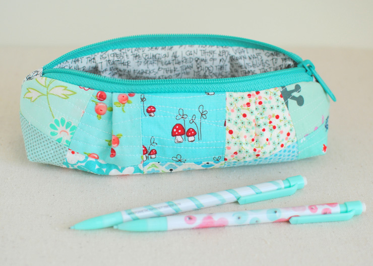Curvy-Top-Pencil-Pouch-3
