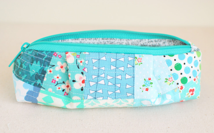 Curvy-Top-Pencil-Pouch-4