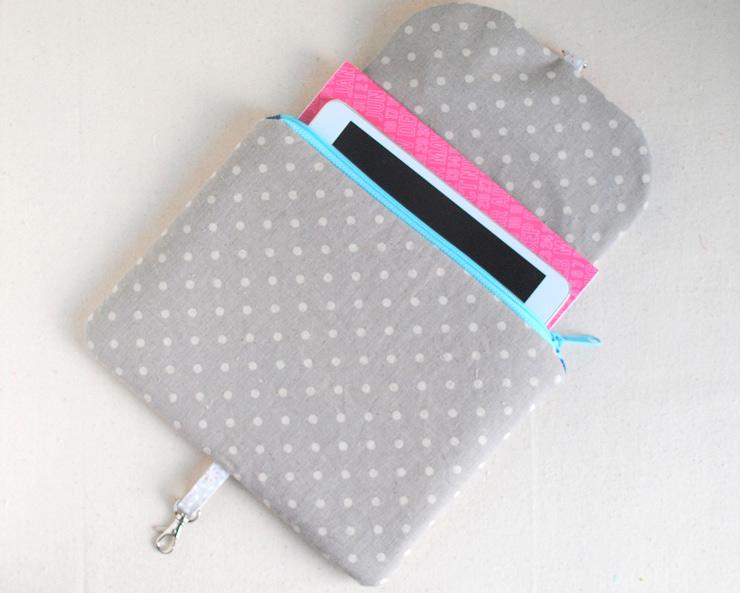 Zip-&-Go-iPad-Case-2
